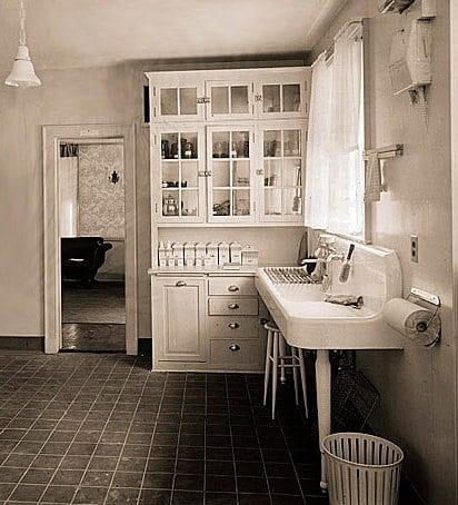 1906 vintage kitchen hoosier cabinet drainboard sink