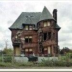 Deserted Buildings – Romantic Yet Sad