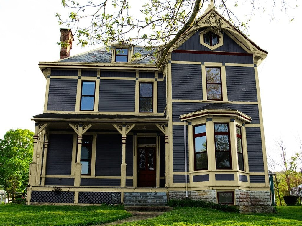 Exterior paint colors consulting for old houses sample for Exterior house paint schemes
