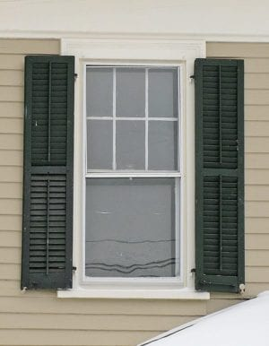 wood operable louvered shutters