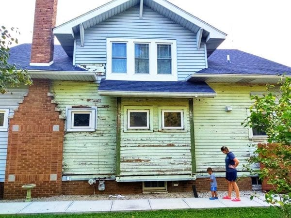 vinyl siding removal from bungalow