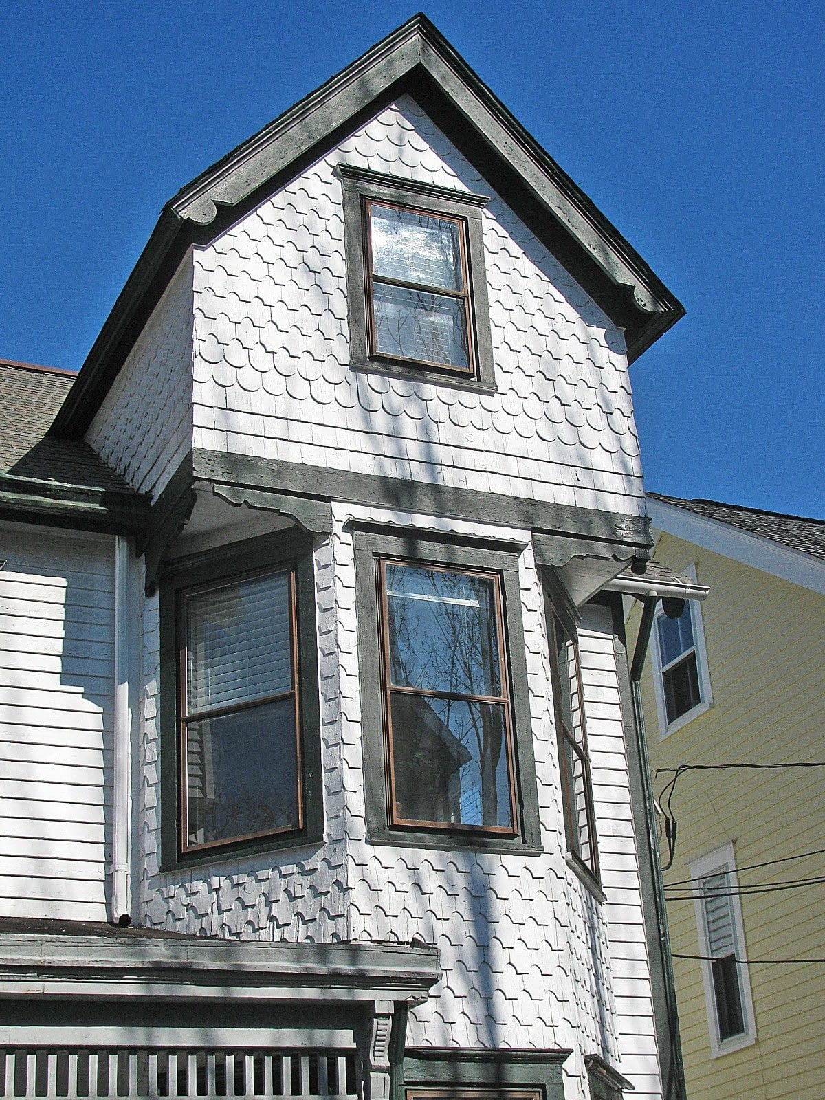 Exterior House Paneling : Vinyl vs wood siding your house oldhouseguy