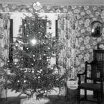 Old Fashioned Christmas Tree – 1940's style