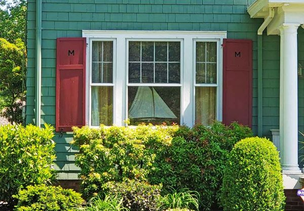 3 part window with shutters