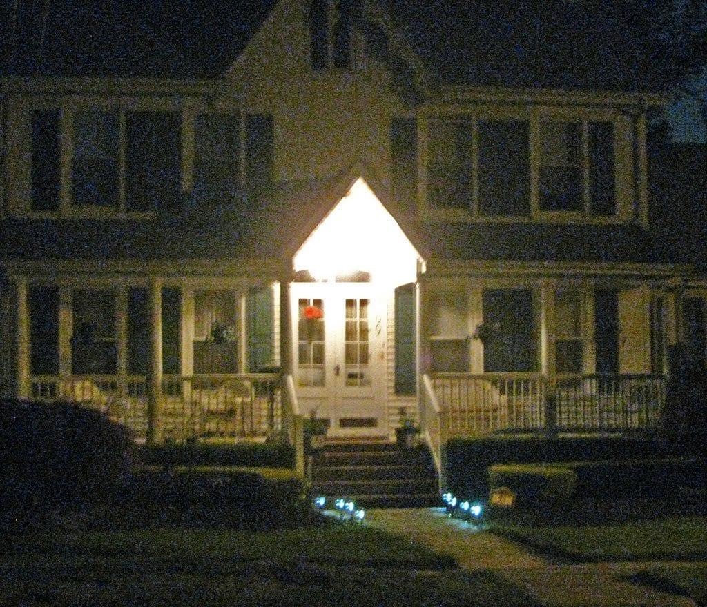 Walkway Spotlights: Walkway Lighting Vs. Landscape Lighting