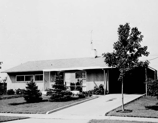 levittown house